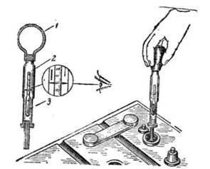 Проверка степени разряженности аккумуляторной батареи по плотности электролита